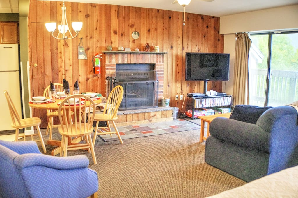 """living area, 50"""" hdtv, working wood burning fireplace, free wood and fire starters"""