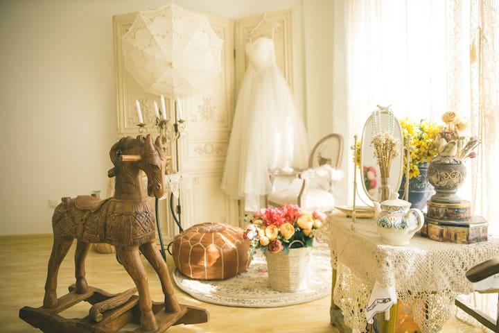烨子家民宿 欧式复古屋 提供婚纱 自拍摄影棚