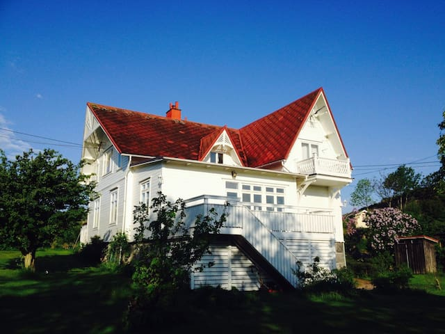 Styrsö Tången B&B – Entire 2nd Floor & Breakfast