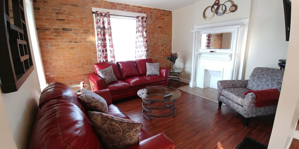 4 bdrm Restored Home near Univ. of Cincinnati