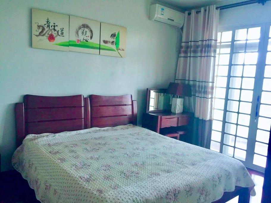 卧室+阳台