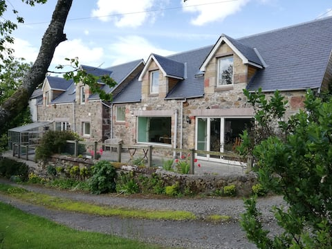 The Stables-Nr Blairgowrie-stunning views-10 beds
