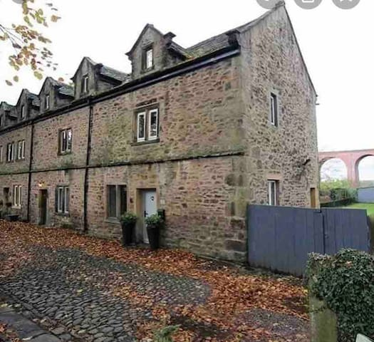 Abbeycroft grade ll cottage, Whalley
