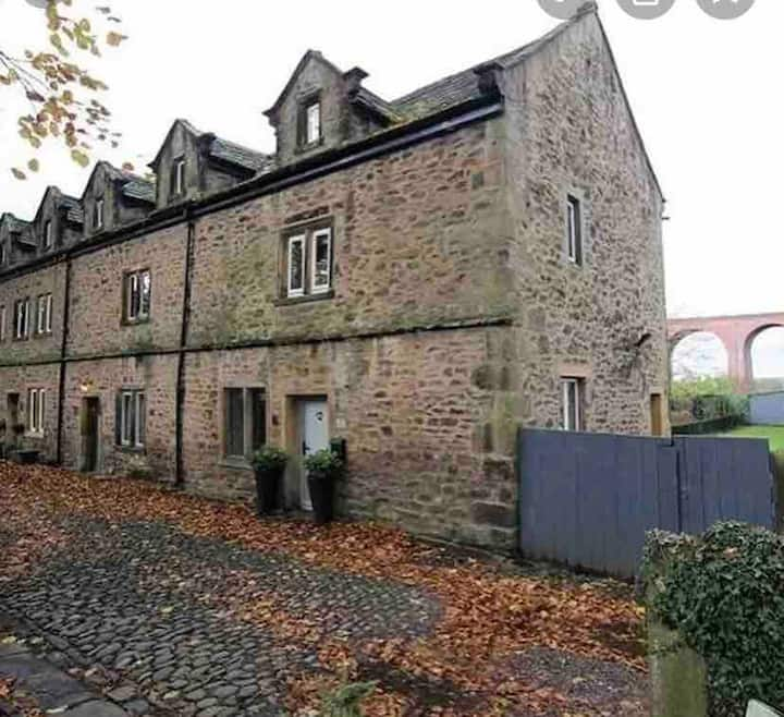 Abbeycroft Grade ll listed cottage, Whalley
