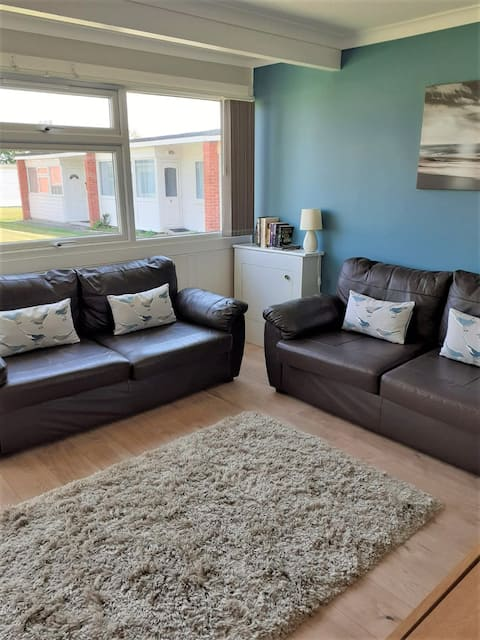 Beach Haven on quiet site nr Gt Yarmouth & Broads