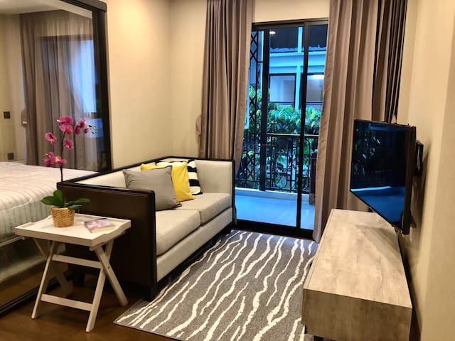 One bedroom condo—400m. to Chitlom BTS station