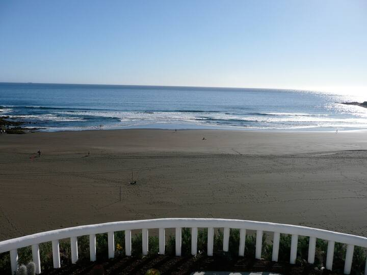 Terrazas del Mar. Villa on the beach Sea Terrace Wifi free Golf Ecological house