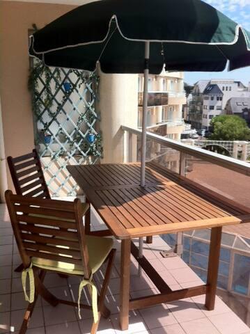 Charmant T2 avec grand balcon S/E
