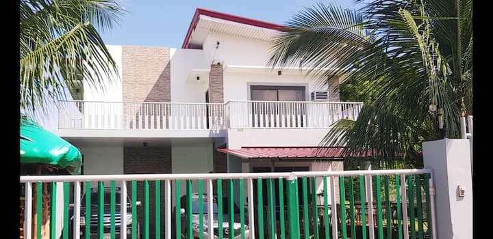"""""""TWH"""" - the new best place to stay in Daet"""