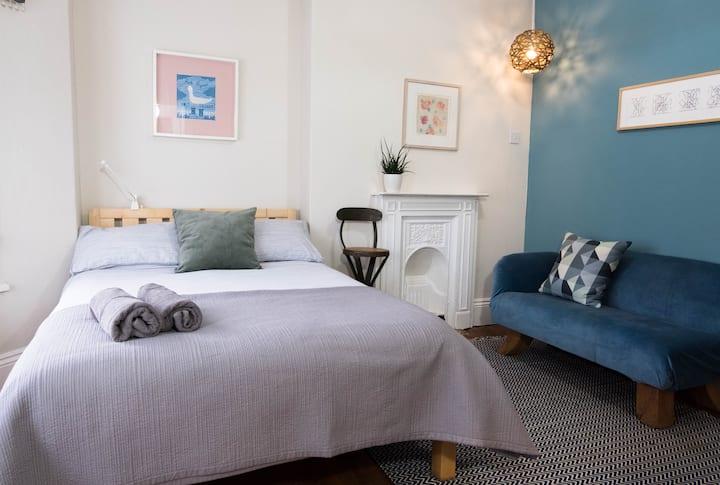 En-suite double room near to Cardiff University
