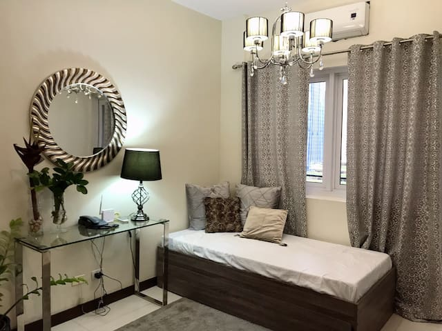 Perfectly located luxury haven beside SM Megamall