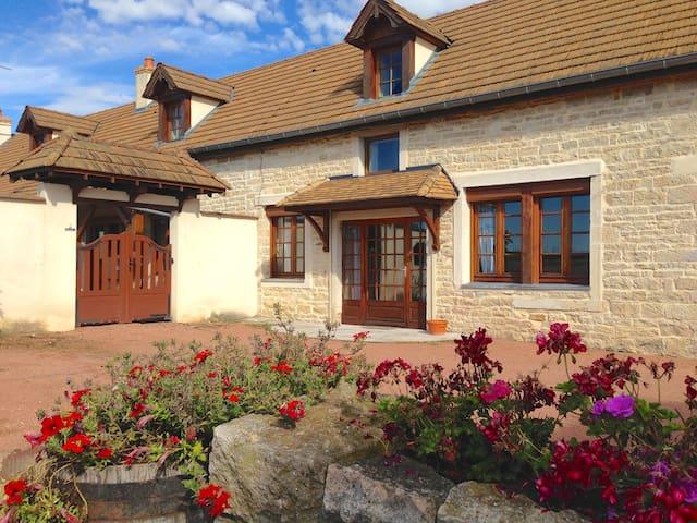 La clé des champs - Marigny-lès-Reullée - House