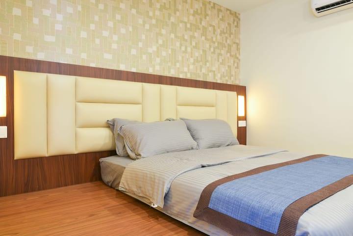 De Benz Inn (E206) Queen Bed Room with Bathroom