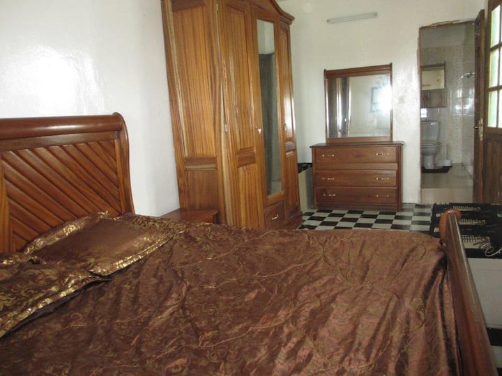 room furnished to rent 30€/night _ la nuitée