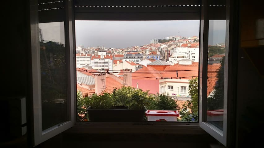 Flat in the heart of Lisbon with a View/ Pateo