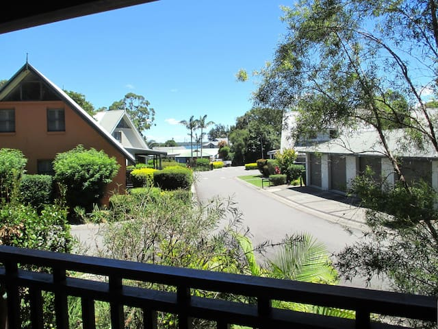 Waratah Resort Cottage at Raffetys - Cams Wharf - House
