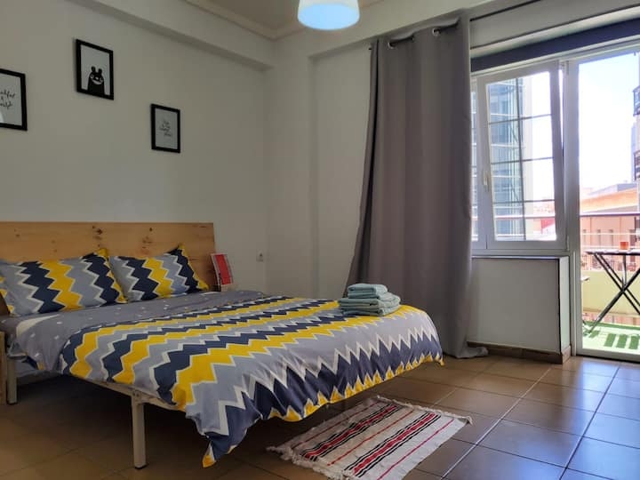 Double room In The Center with balcony(5min beach)