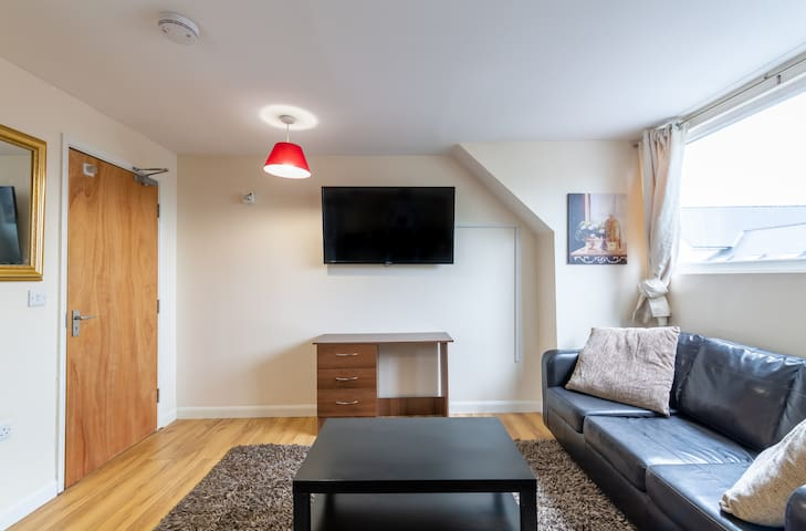 Newcastle City Centre spacious 4 bedroom apartment
