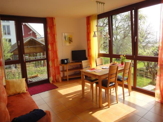 Bio-Obstgut-Oberhof, (Überlingen), Ferienwohnung Kirsche, 55qm, 2 Schlafzimmer, max. 2 Erwachsene und 2 Kinder