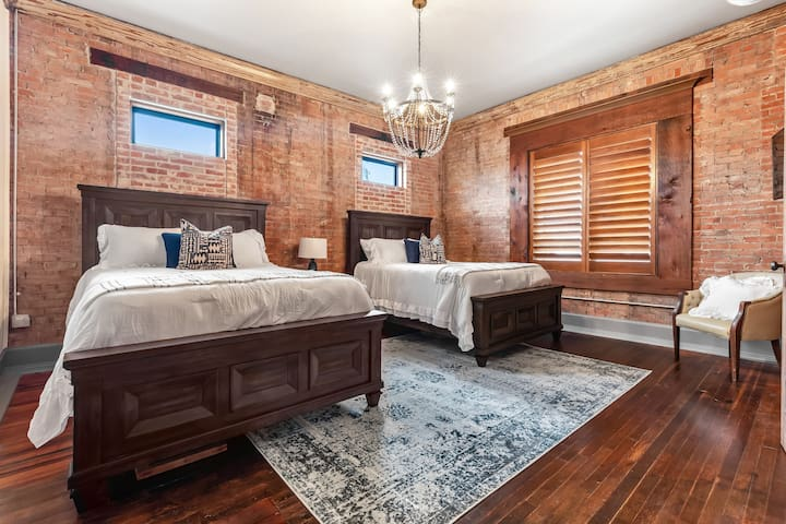 The Bowman Suite @ 116B