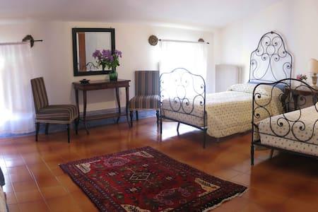 Camera matrimoniale o doppia con colazione - Follina - Bed & Breakfast