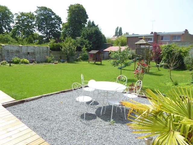 Maison + jardin, ideal famille ... proche de tout! - Dunkerque