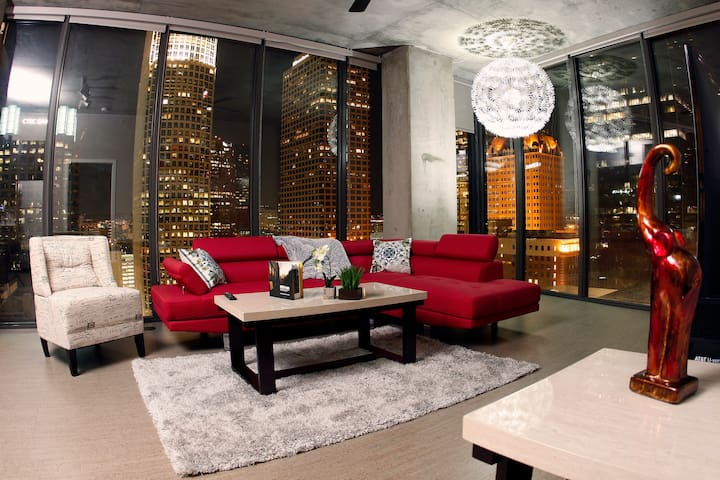 REFINED LUXURY -  DOWNTOWN SKYLINE, LUXURY RENTAL! - Los Angeles