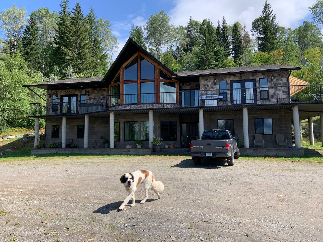We are pet friendly, relaxed property, trailer parking as well.