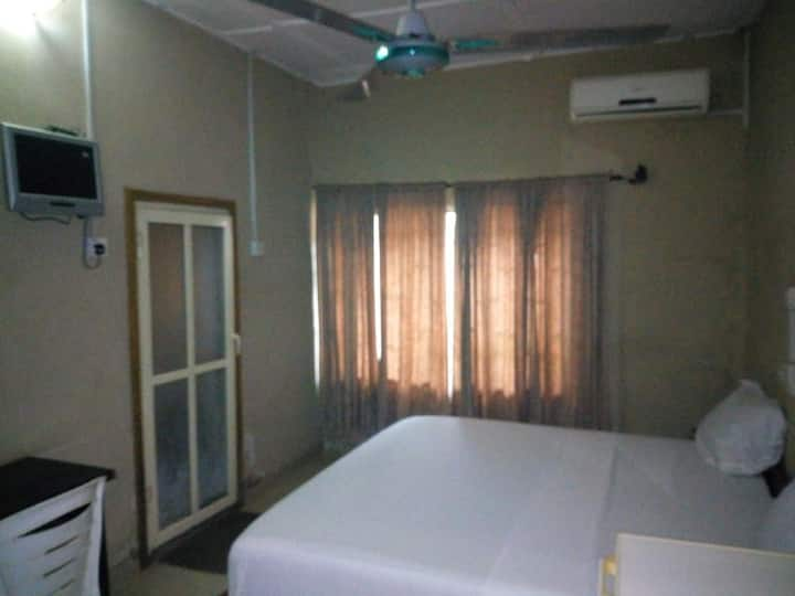 Abeokuta Hill View Hotel - Royal Room