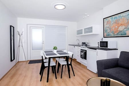 New and cosy apartment near downtown Reykjavík - Seltjarnarnes - Apartment