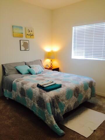 Quiet and Restful Bedroom - Inglewood - Casa