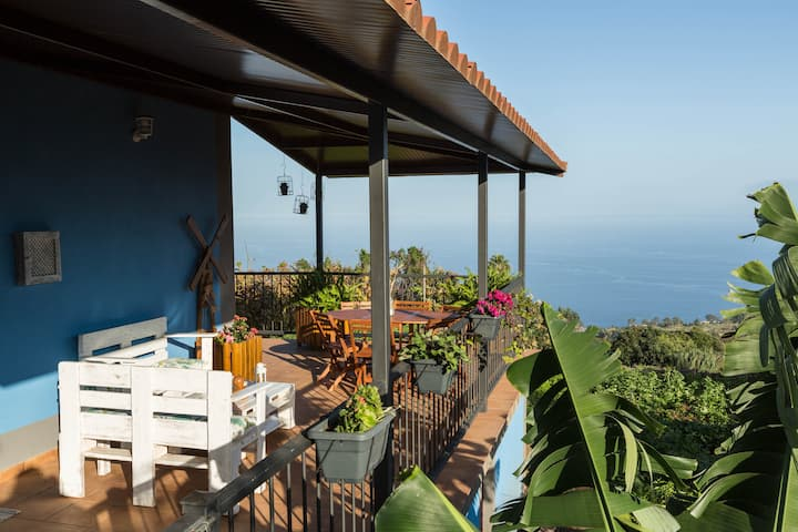 "Beautiful Holiday Home ""Casa el Obispo"" with Mountain View, Ocean View, Terrace & WiFi; Parking Available"