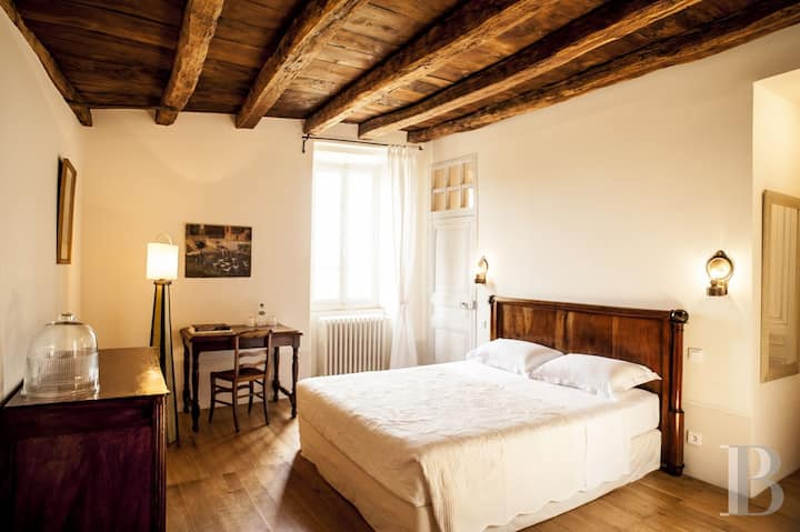L'Ombrière B&B, belle chambre dans maison XVIIIeme