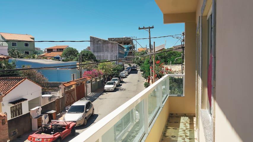 Suíte com varanda na Praia Grande