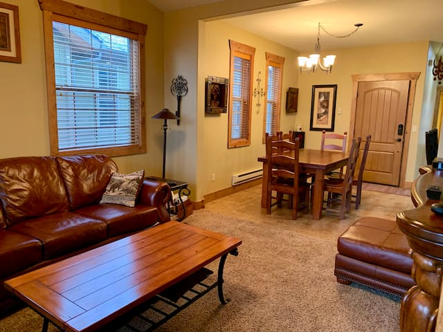 Clean! Close to Grand Targhee! King bed!  Upgrades