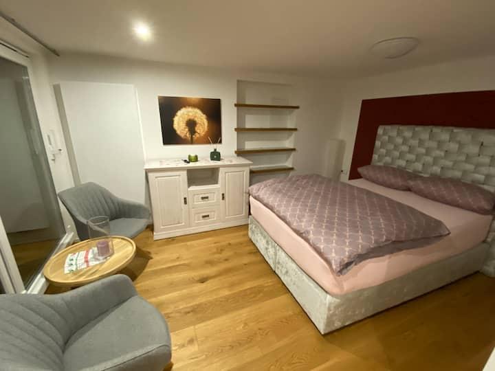 Super gemütliches Apartment- günstig gelegen an A3