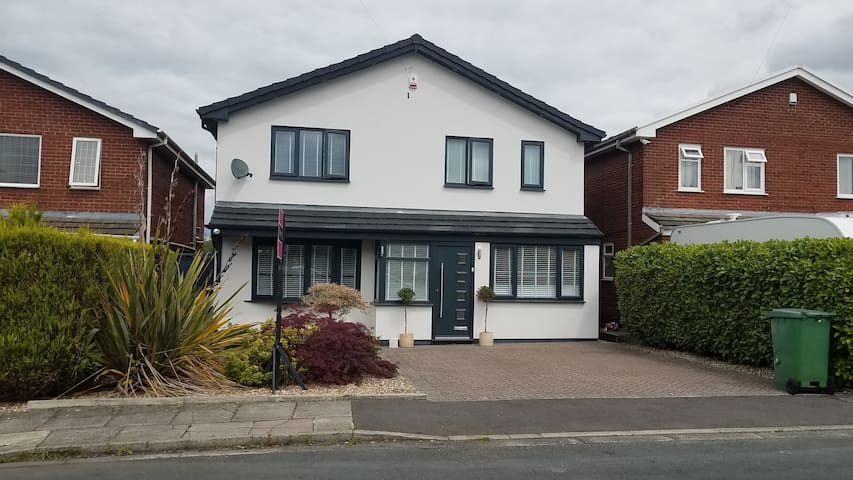 Spectacular 4 Bedroom Home in Bury