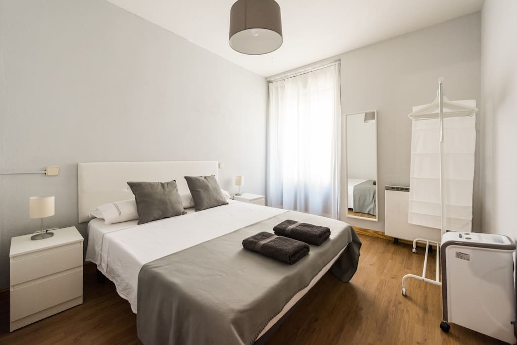 Apartamento luminoso en la puerta del sol apartamentos en alquiler en madrid comunidad de - Apartamentos en sol madrid ...