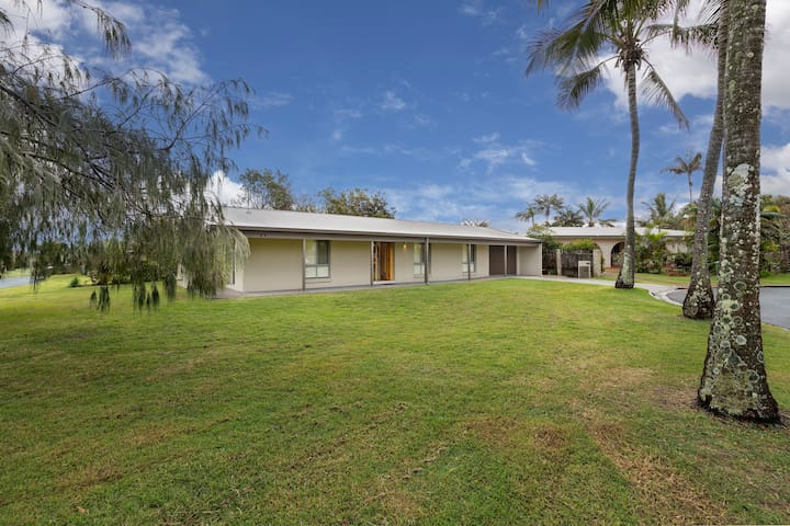 Point Cartwright Beach House - Close to Mooloolaba