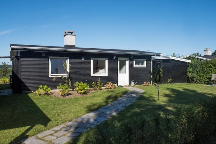 Sommerhouse with front row views of Roskilde Fjord - Ølsted - Vakantiewoning
