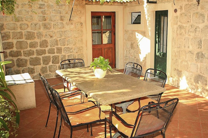 Guest House Savonari - Comfort Double Room with Terrace and Garden View