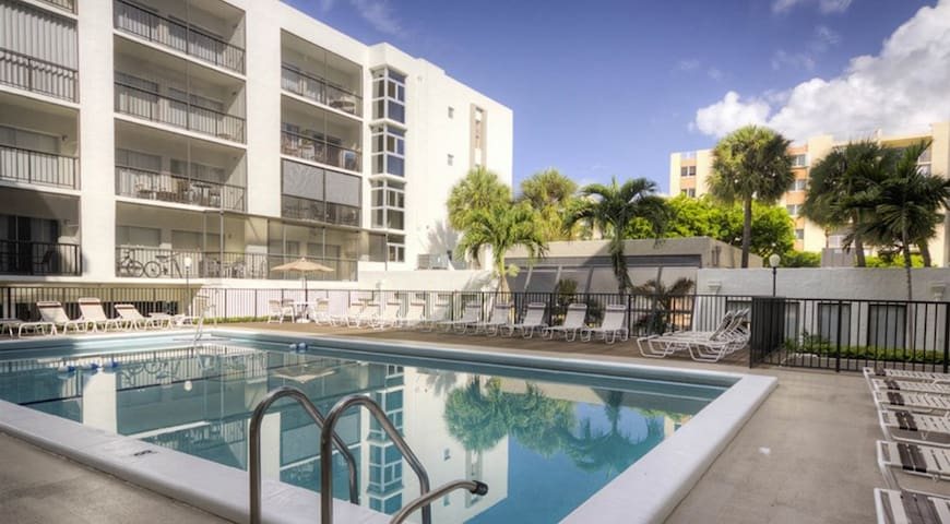 Le Cartier 325 - Condo 4 people, Sunny Isles