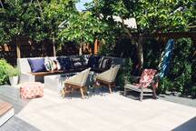 Gorgeous new studio in sunny Rockridge 5 min Bart