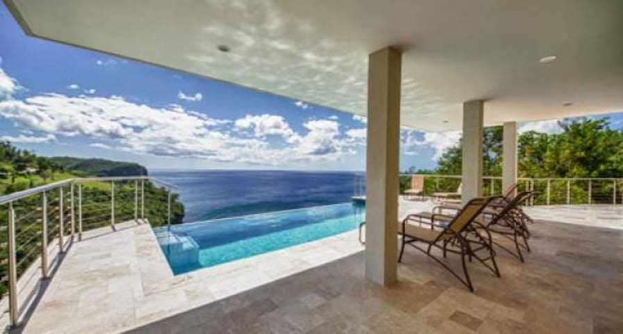 Villa Trou Rolland - Ideal for Couples and Families, Beautiful Pool and Beach - St. Lucia - Villa