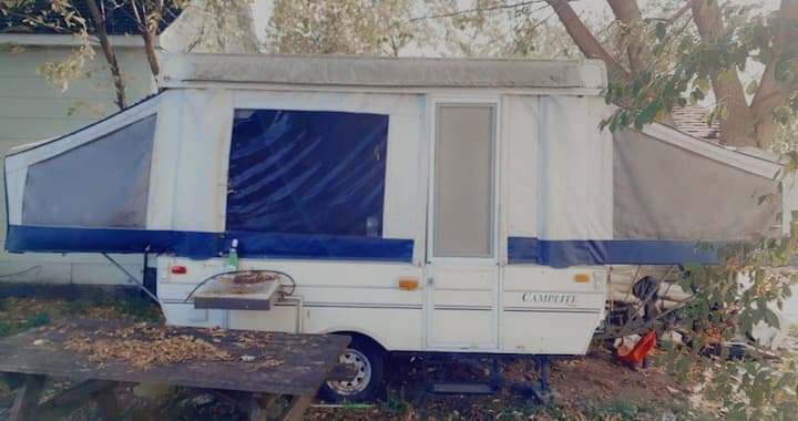 Beautiful fully renovated pop up camper!