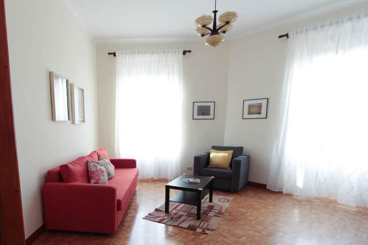 Luminoso e raffinato alloggio in Torino