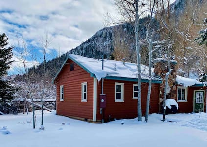 Cabin with Sauna and Creek near Park City