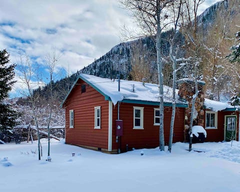 Cabin with Sauna, Snowshoes, Creek, near Park City