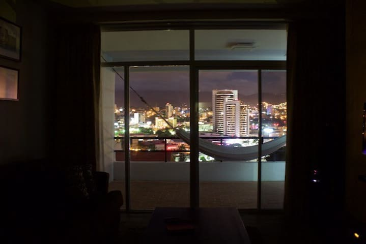Modern Apt. Great View, Minimalista - Tegucigalpa