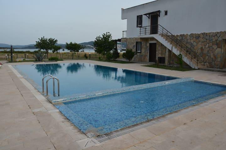 Iasos beach gardens